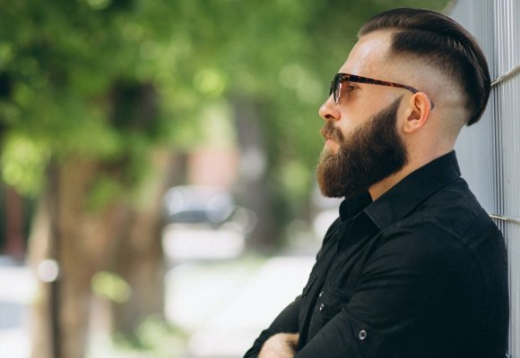 Pompadour a férfi frizura